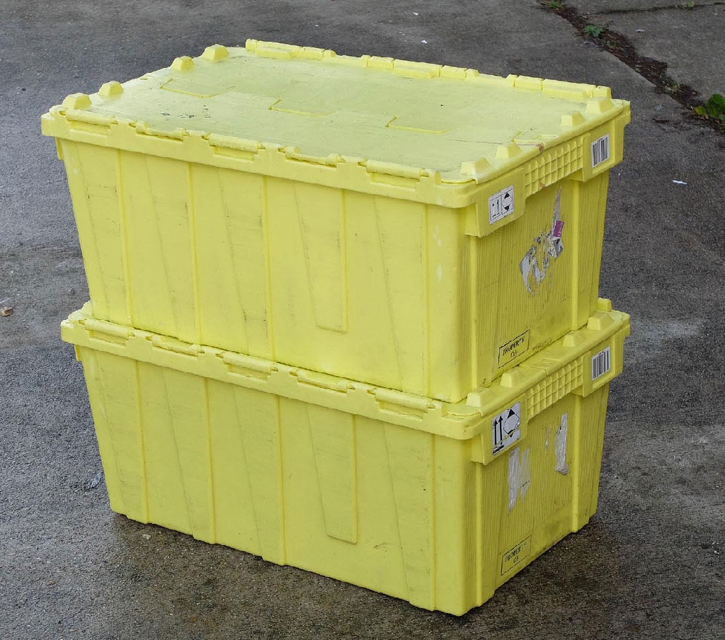 We have 1000's of ex High street distribution logistics containers in stock ready for immediate delivery here in Hampshire. The boxes are made of polypropylene and are in good condition. Certain labels remain but in general the BOXES are clean and in Good condition with all lids and hinges in tact.