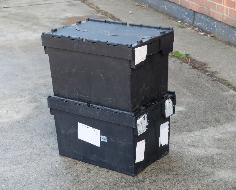 We have spare ex retail logistics and distribution containers as used by major high street brands as part of their logistic operation. These strong containers have integral lids, securely maintained with metal rods through hinges ensuring safe transit and maximum protection of goods.Polypropylene plastic for impact flexibility.