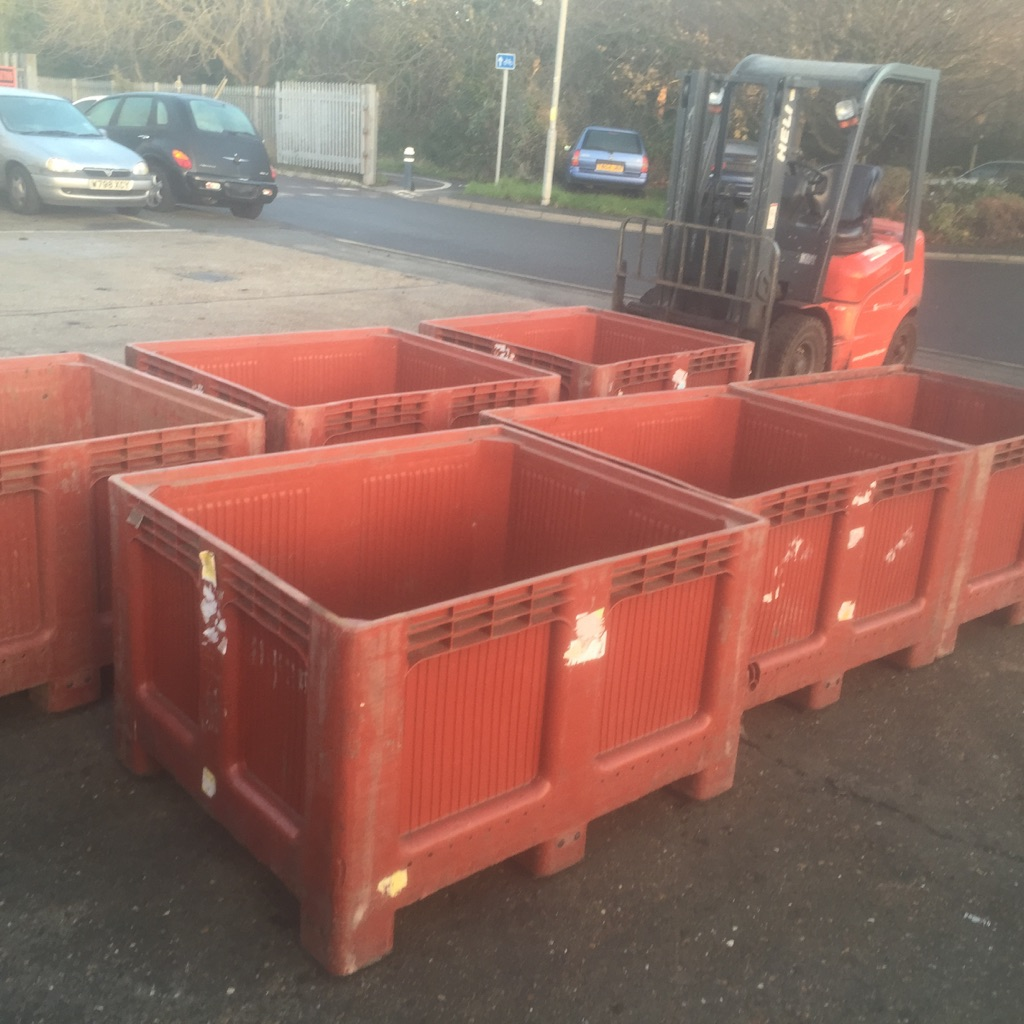 Plastic Pallet Boxes USED DOLAVS SOLID